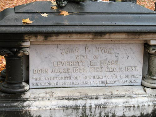JuliaHydePeasegravestone